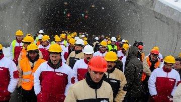 Рабочие завода ферросплавов
