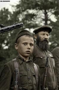 Юный партизан Петр Гурко из отряда «За власть Советов». Псковско-Новгородская партизанская зона.1942