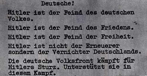 """Одна из нелегальных листовок немецких антифашистов (вкладывалась в проспекты разных фирм). 1933-1936 гг. """"Немцы! Гитлер - враг немецкого народа. Гитлер - враг мира. Гитлер - враг свободы. Гитлер не обновляет, а уничтожает Германию. Немецкий Народный фронт борется за свержение Гитлера. Поддерживайте эту борьбу!"""""""