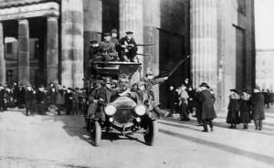 рев.солдаты у бранденбургских ворот,1919