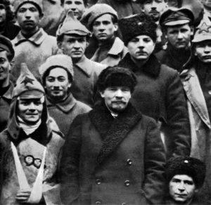 1921 г.,март.Москва.Ленин и Ворошилов среди делегатов X съезда РКП(б), участвовавших в подавлении Кронштадского мятежа.