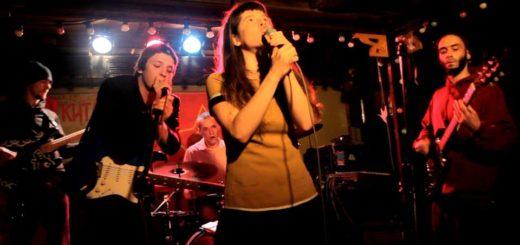 Выступление на концерте в поддержку нефтяников Жанаозена