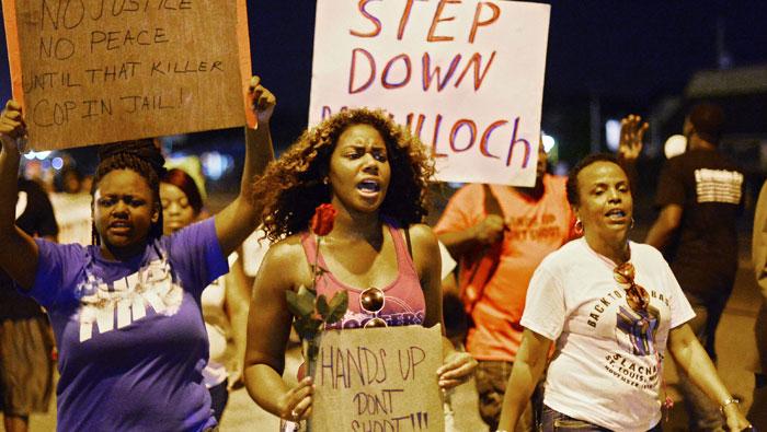 В США полицейские чаще убивают чернокожих 12102014