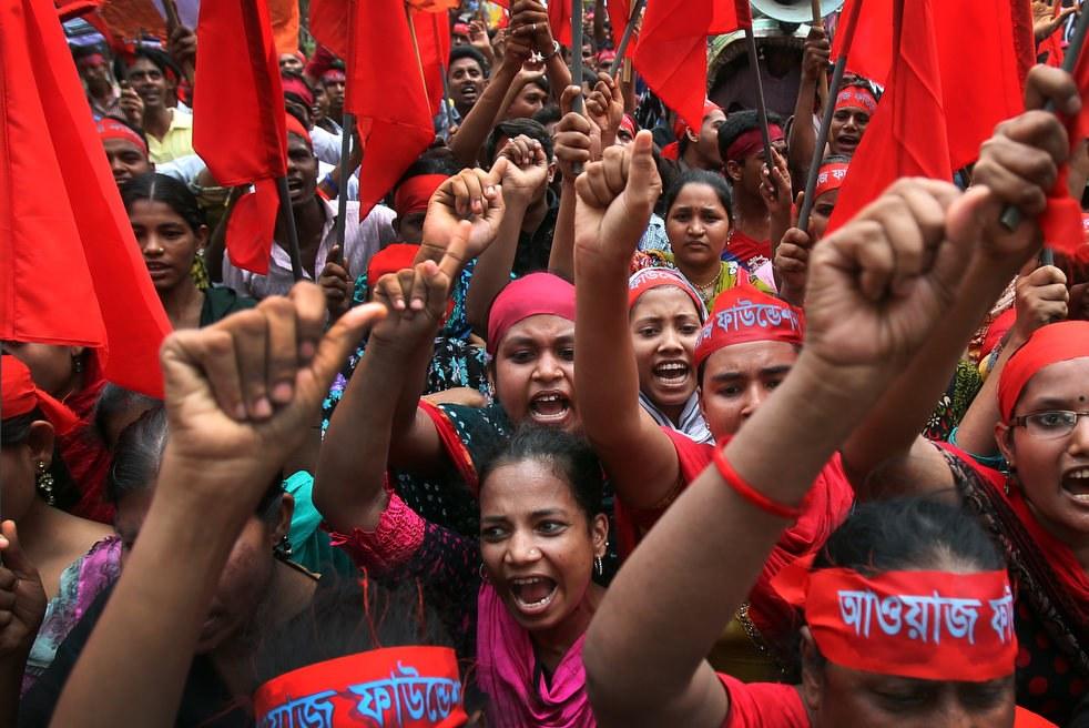 Женщины-работницы в Бангладеш. Первомайская демонстрация