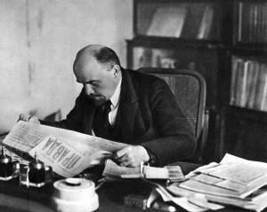 1918 г.,октябрь.Москва.В.И.Ленин в своём кабинете