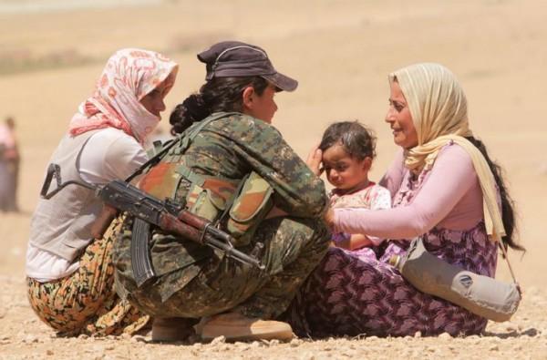 Женщины-партизанки Курдистан повседневность