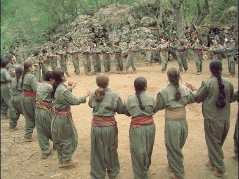 Женщины-партизанки Курдистан танцы на каникулах